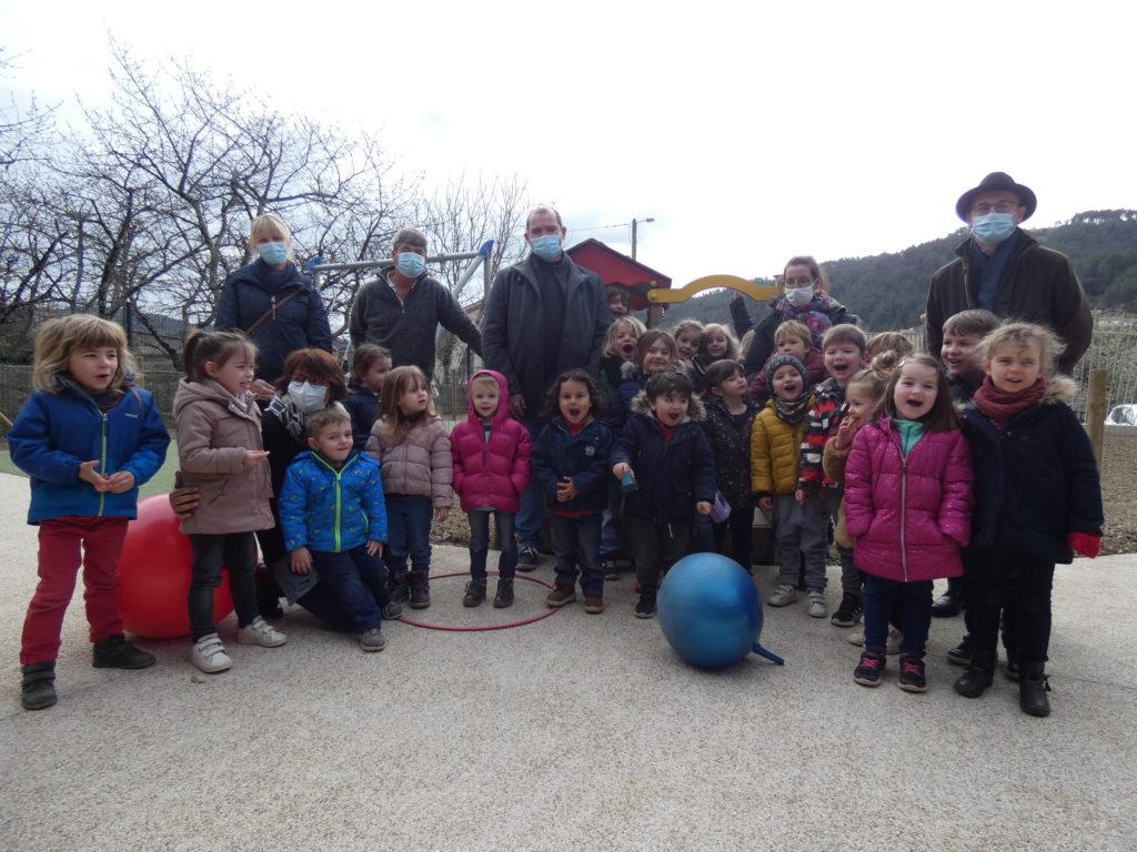 Les enfants de maternelle ont pris possession de la nouvelle école